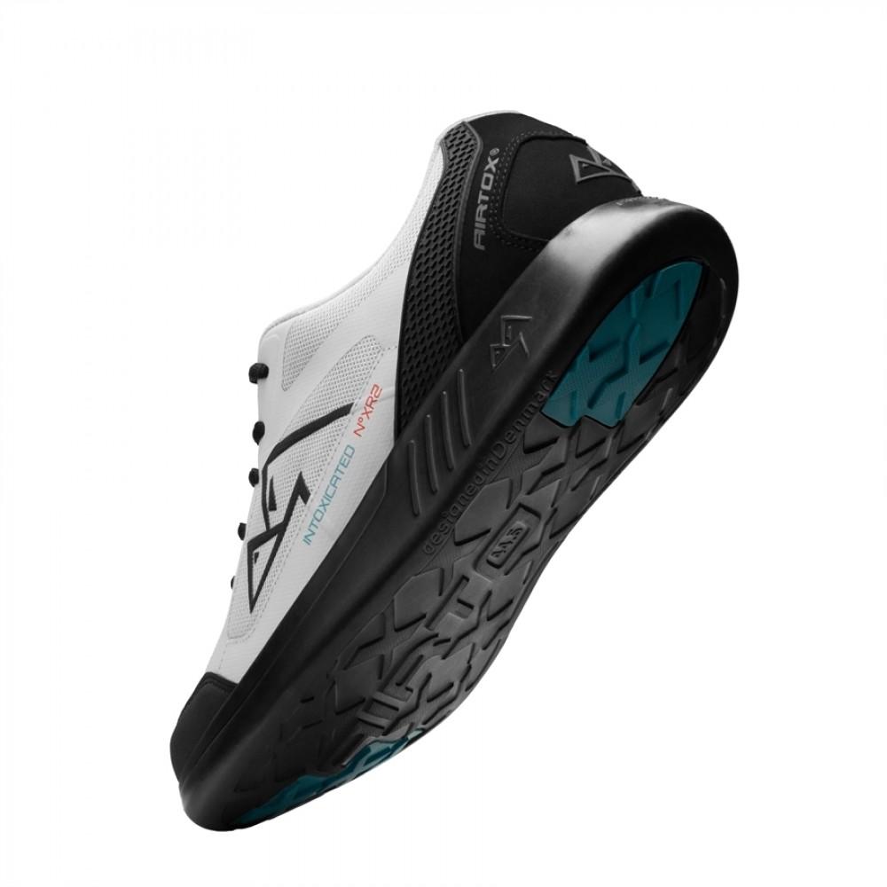 AirtoxXR2Sneaker-31